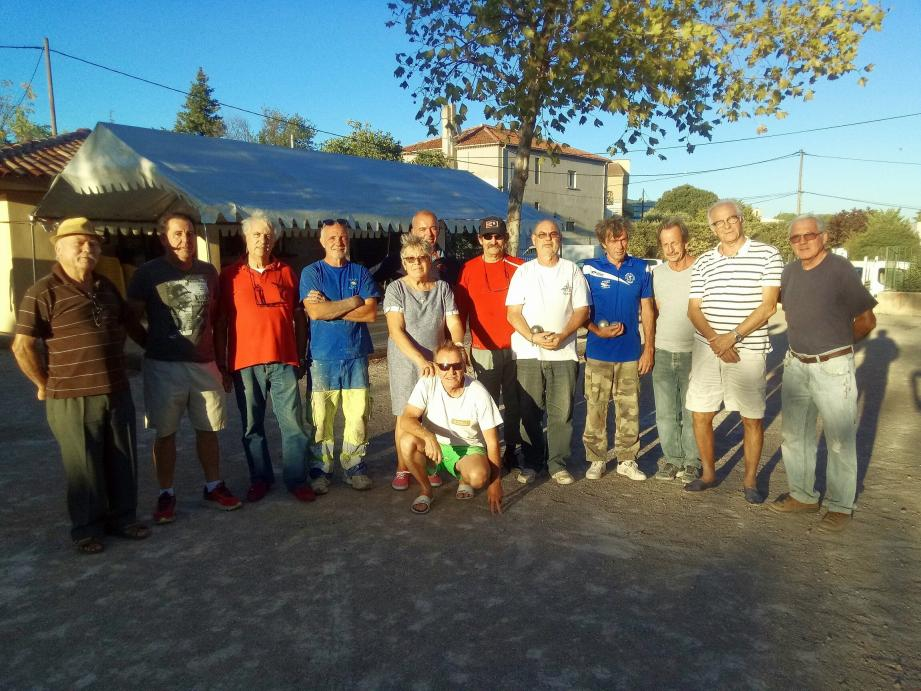L'équipe de la Boule de la noix. (Photo IB.