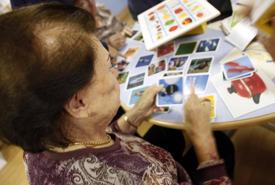 Le nombre de malades d'Alzheimer en France augmente en même temps que l'espérance de vie s'allonge. Pour autant, on estime que seuls 50 % des patients sont diagnostiqués.