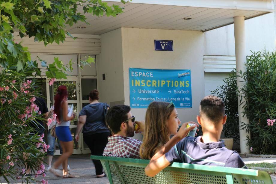 A l'Université, les inscriptions se poursuivent jusqu'au 15 octobre. La barre des 10 000 étudiants pourrait être franchie.