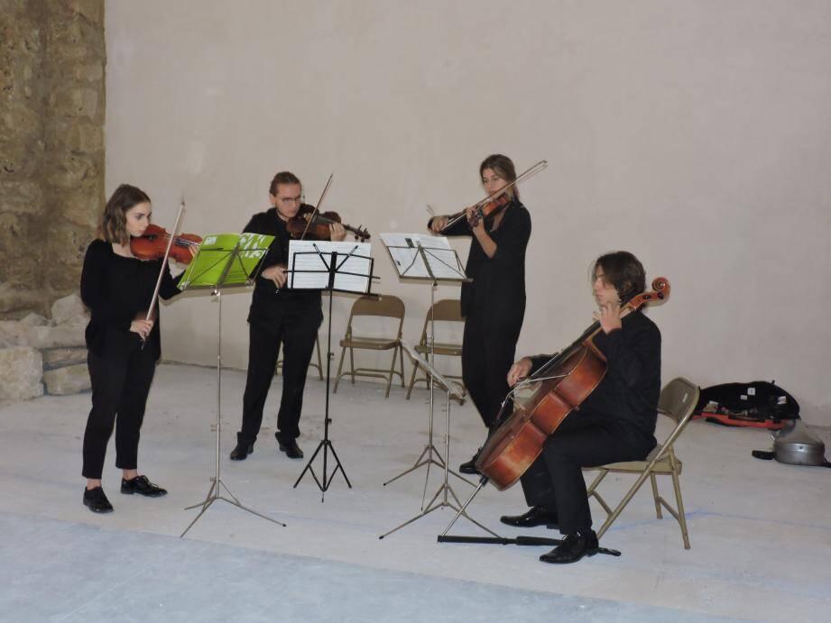 Le Quatuor H10 a dévoilé l'acoustique parfaite de la chapelle.