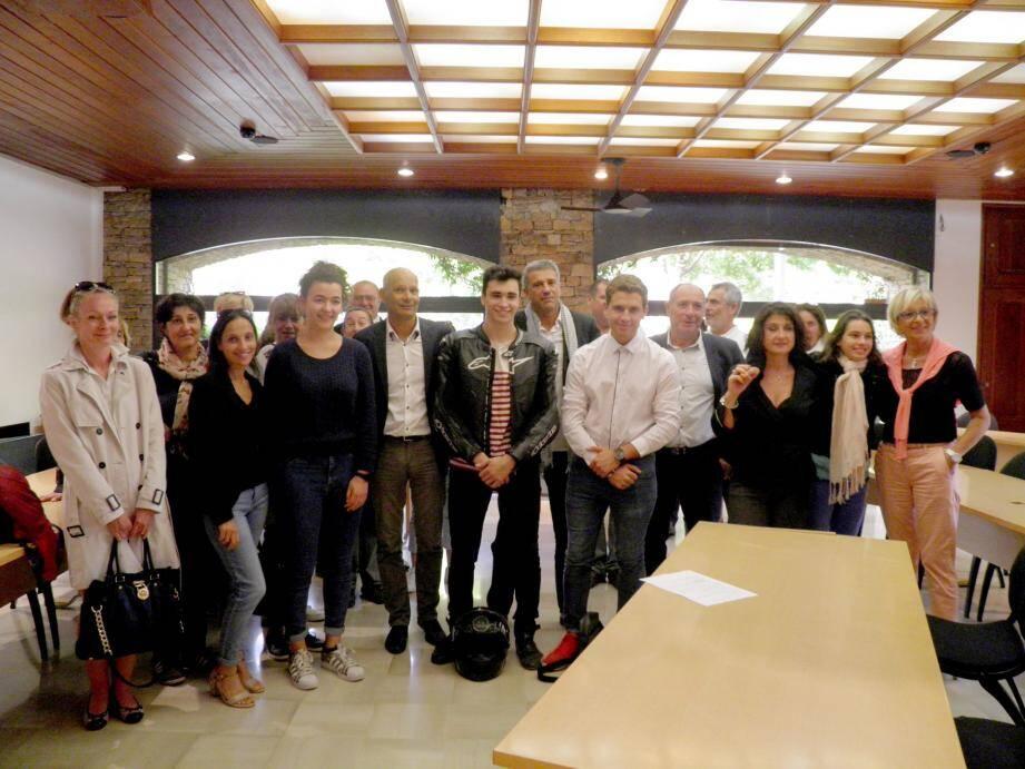 Ces étudiants à l'avenir prometteur ont été reçus et félicités en mairie.