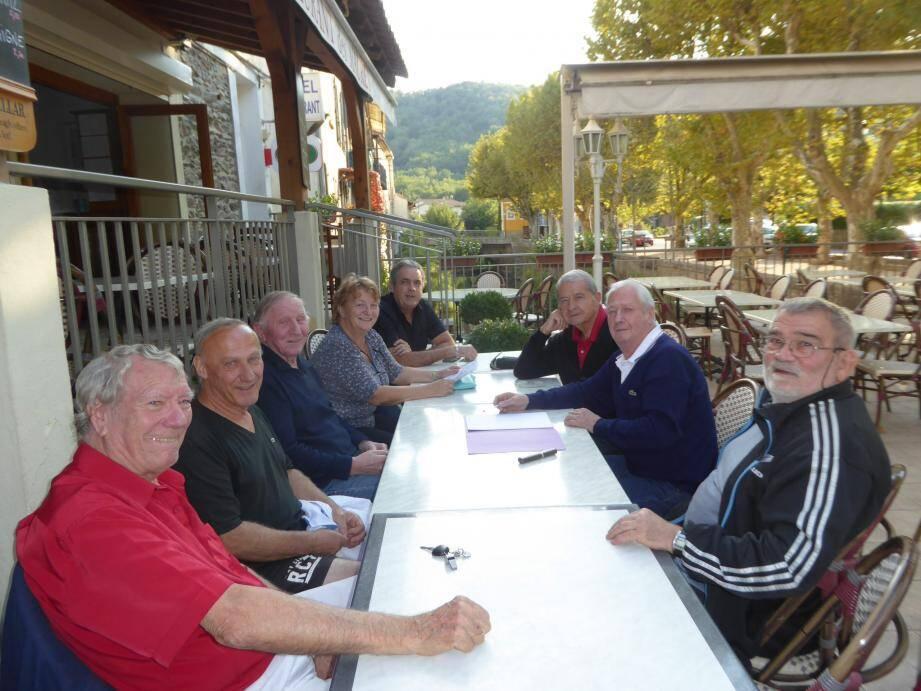 Lors de son assemblée générale, Jean Borello (au centre à droite) a développé plusieurs projets pour convaincre le maire d'être plus généreuse malgré la restriction des aides de l'état.