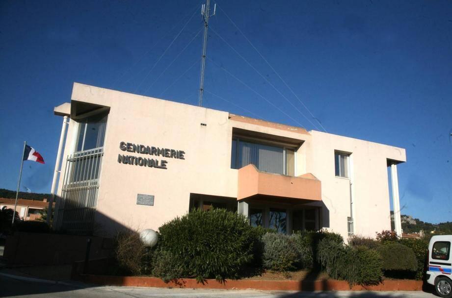 En avril 2015, les gendarmes de la BR de Hyères avaient opéré un coup de filet dans la région. L'office central de lutte contre la délinquance itinérante (OCLDI) a également participé à l'enquête.