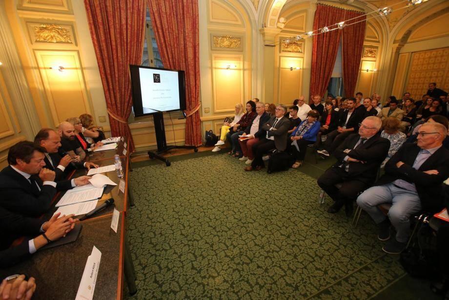 Christian Estrosi a écouté et répondu aux commerçants de Nice Grand centre.