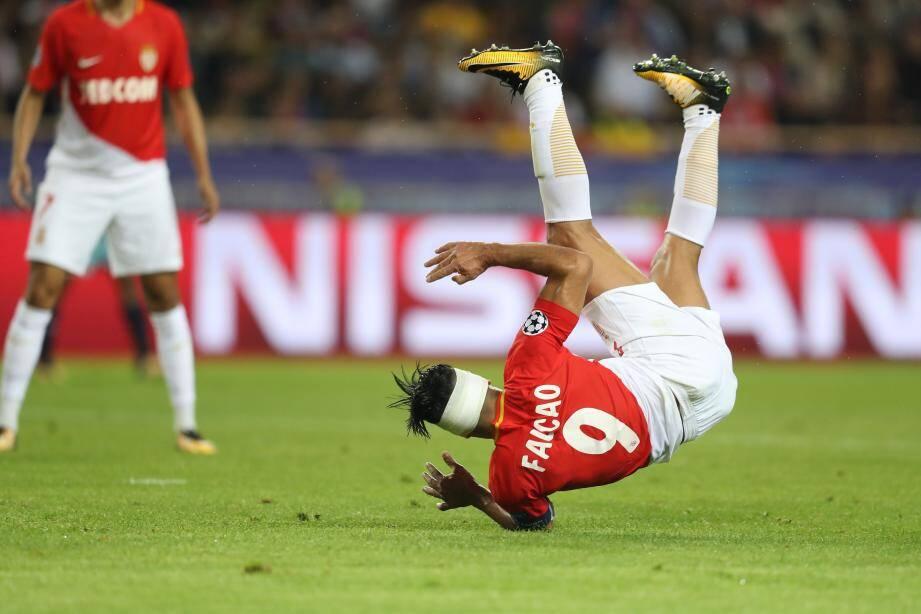 A l'image de son capitaine Falcao, Monaco doit se remettre la tête à l'endroit après la gifle de Porto (0-3).