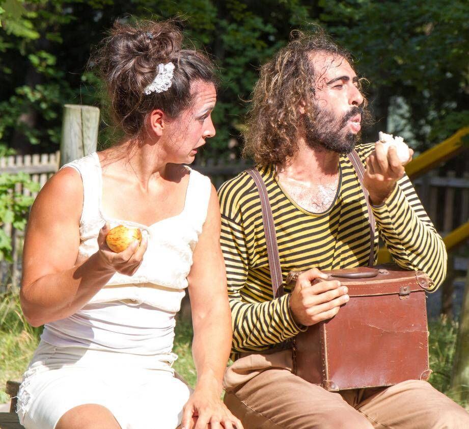 Clowns, acrobates, équilibristes, rires et émotions assurés avec El Tercer Ojo.