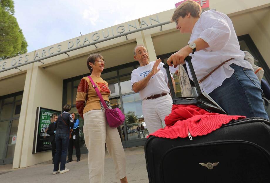 Les voyageurs ont pu donner leur avis auprès de l'association des usagers de la gare.