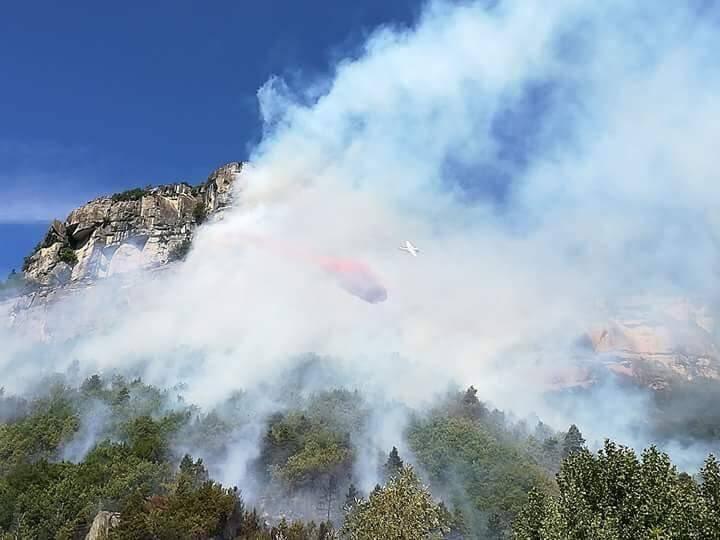 L'incendie a déjà parcouru 12 hectares.