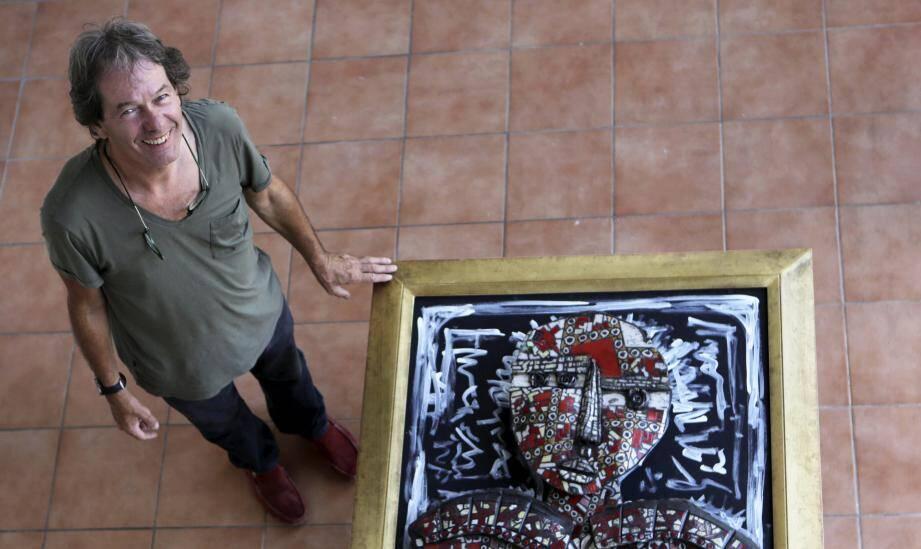 Dominique Allain, artiste fraîchement installé à Draguignan.