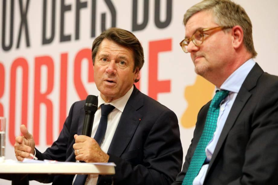 Christian Estrosi et Julian King ont échangé avec des citoyens sur la lutte contre le terrorisme, jeudi soir à Nice.