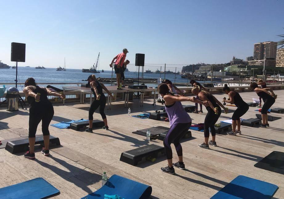 Ce mercredi, les monégasques ont pu profiter de cours de gym en plein air et gratuits.