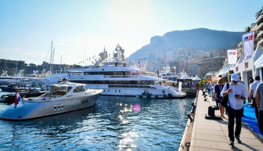 Le plus grand salon international de la plaisance se poursuit sur le port Hercule jusqu'à samedi.