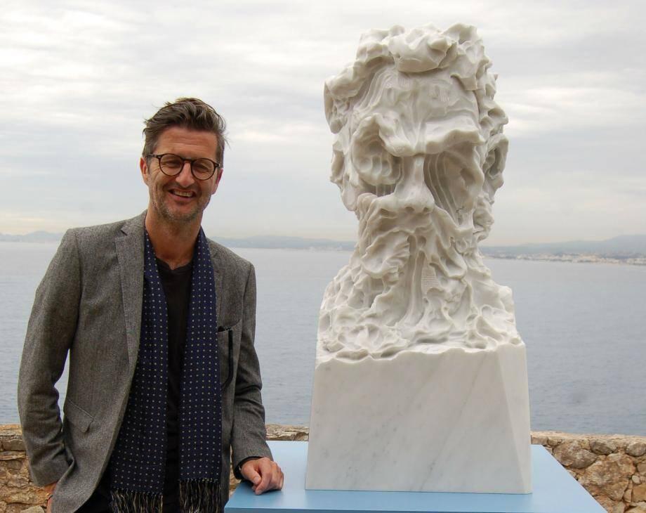 Kevin Francis Gray et le visage très contemporain du dieu grec Hadès (maître des enfers).