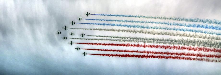 La Royal Air Force dans le ciel de Cannes.