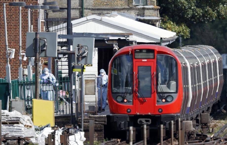 L'attentat a eu lieu dans le métro londonien à une heure de pointe.