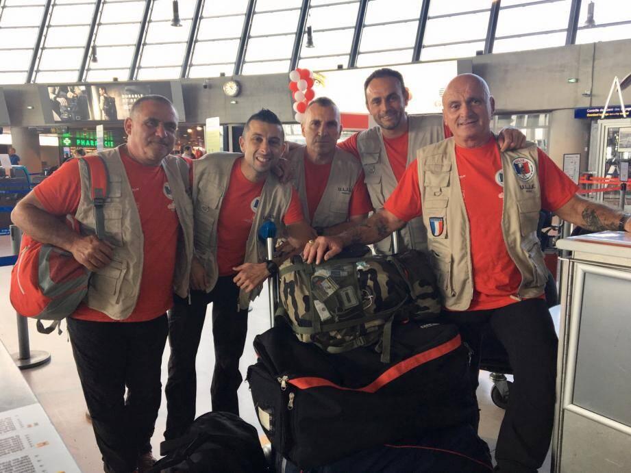 Les cinq bénévoles d'ULIS sont partis mercredi dernier pour quinze jours de formation aux pompiers Philippins.(DR)