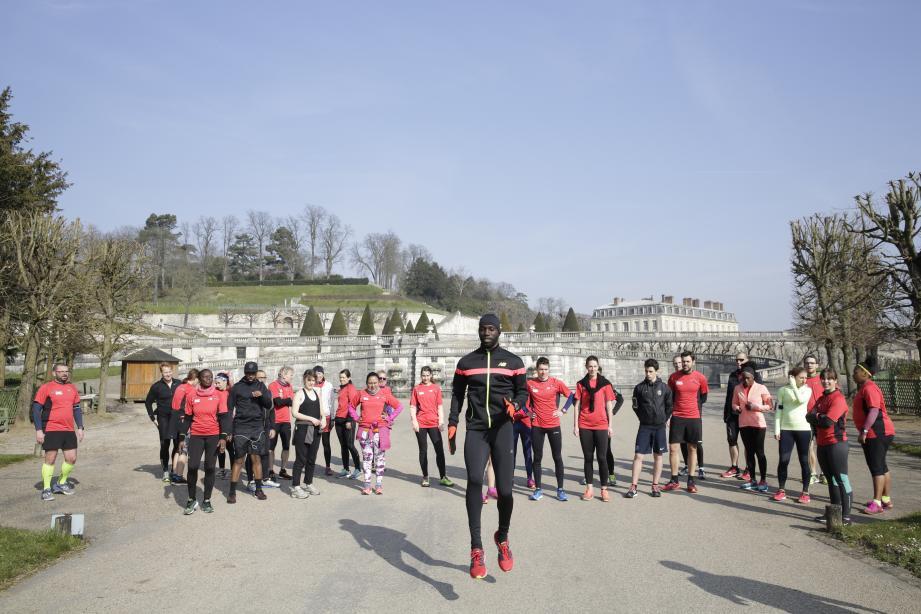 Après le parc de Saint-Cloud à Paris, le toujours actuel détenteur du record de France du 400 mètres conduira une séance d'entraînement à Monaco.