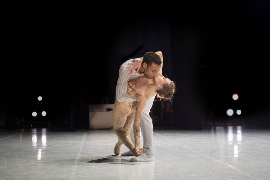 Le soleil des Ballets de Monte-Carlo, Alexis Oliveira, et l'étoile du Bolchoï, Olga Smirnova.
