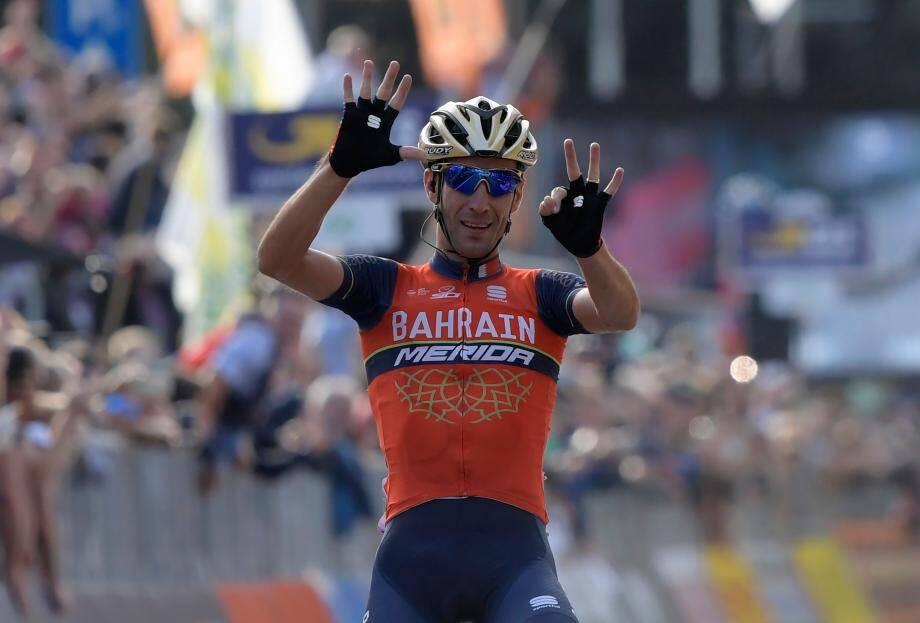 Vincenzo Nibali était favori, il a tenu son rang pour s'imposer pour la deuxième fois à Côme.