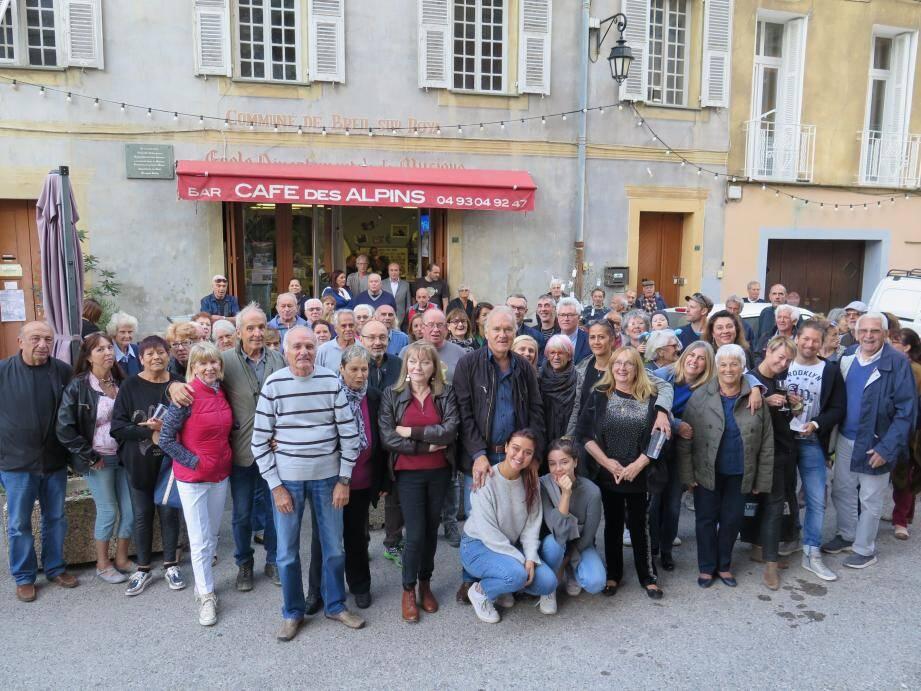 Un public nombreux à l'occasion du départ en retraite du Bernard Dumontet.