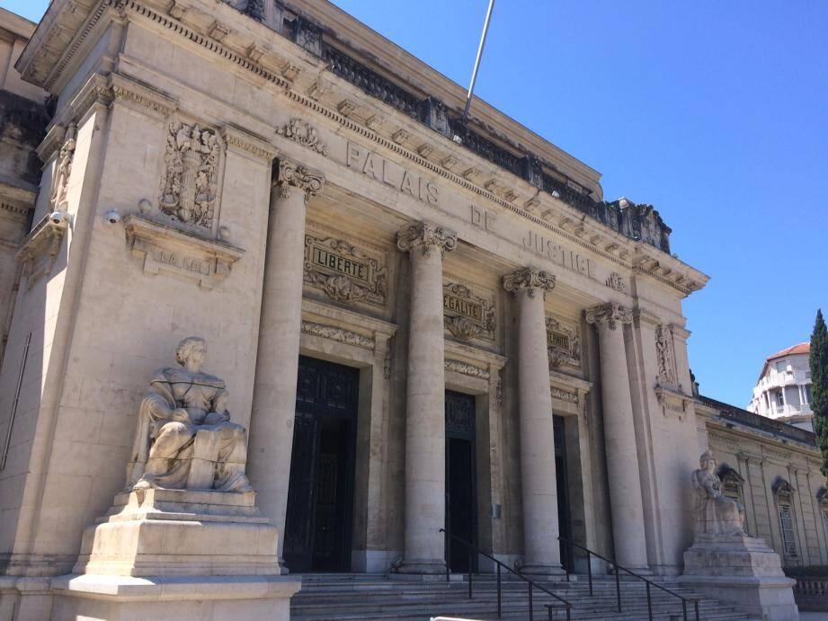 Le couple a été condamné, lundi devant le tribunal correctionnel de Toulon, à un an d'emprisonnement.