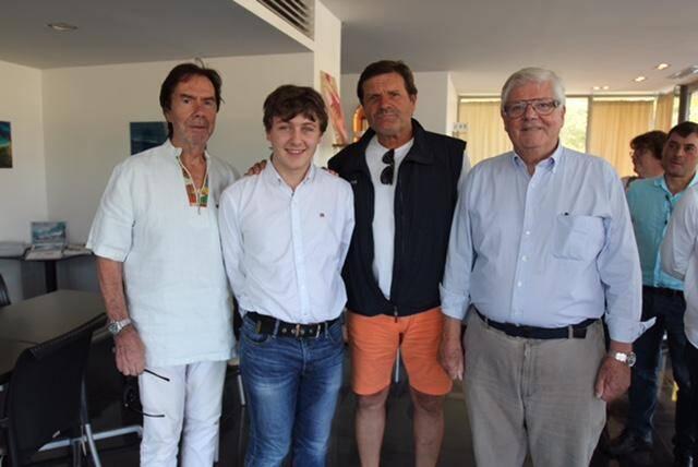 Le président de l'aéroclub Jean-Louis Julian, le vice-président Pascal Zerbone et l'instructeur Pierre Lacorne ont félicité Thomas Danguilhen.