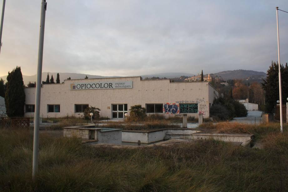 Le site d'Opiocolor devrait accueillir un complexe de services à la personne destinés aux seniors.
