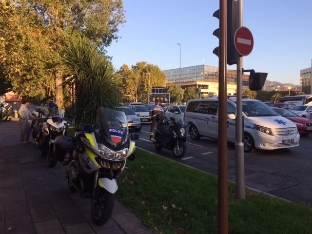 En une heure de contrôle, la police a relevé,hier, un large éventail d'infractions au code de la route.(Ch.P)