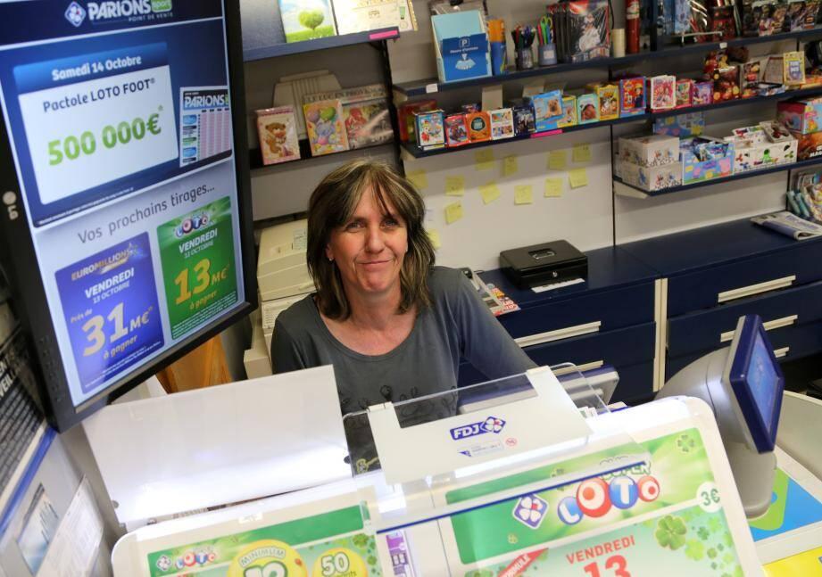 Responsable de la maison de presse située dans la galerie marchande du centre Leclerc au Luc, Véronique Pontais a recensé le plus gros gain de sa carrière.