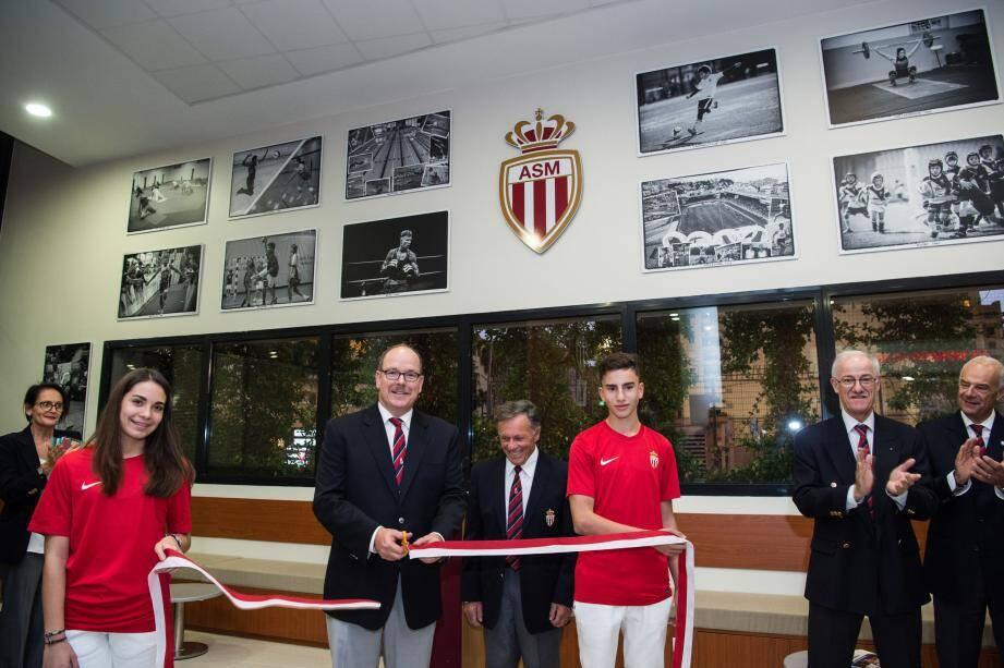 Le prince Albert II a inauguré ce nouvel espace destiné aux adhérents de vingt sections de l'association sportive de Monaco.