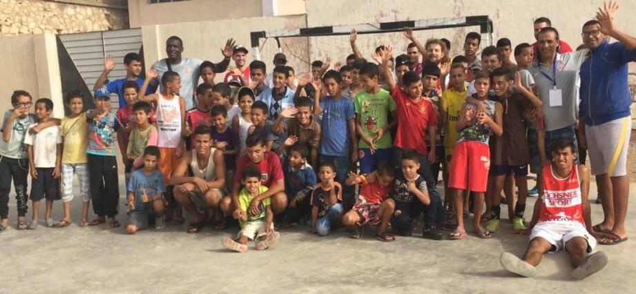 Les enfants du foyer d'Agadir et Monaco Futsal.(DR)