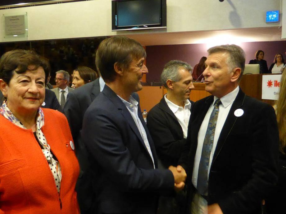 Le président du Syndicat mixte de préfiguration du PNR de la Sainte-Baume Michel Gros, à droite, a invité Nicolas Hulot à l'inauguration du parc.
