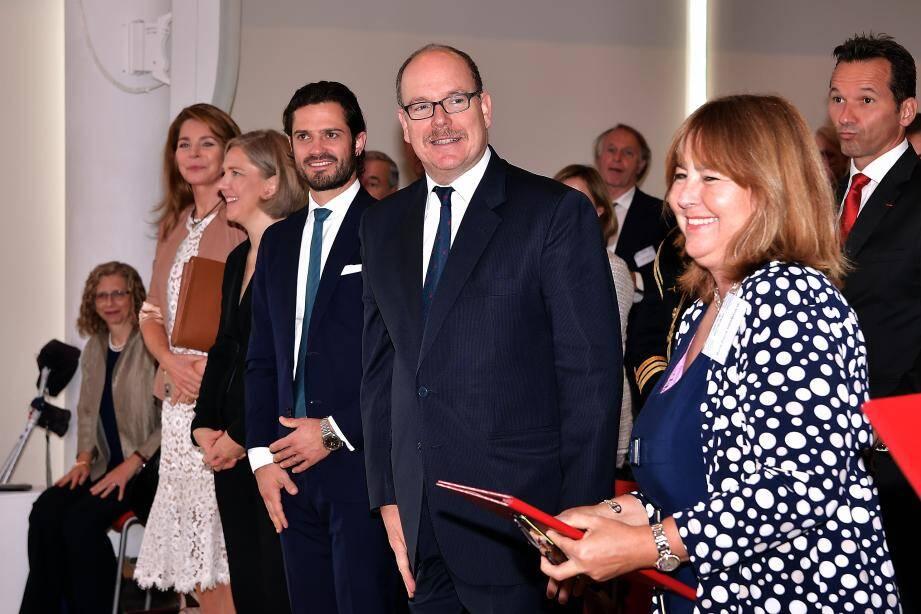 Le souverain a accueilli le prince de Suède au Yacht-club pour la signature de cet accord par les ministres de l'environnement des deux pays.