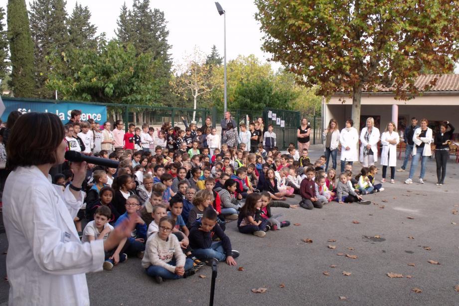 La directrice, Magali Monnier, a félicité élèves et enseignants pour le travail accompli.
