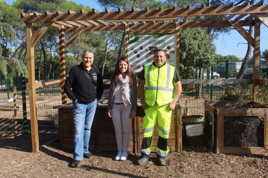Didier, Melissa et Malik au parc pédagogique qui reçoit les déchets du marché du Luc.