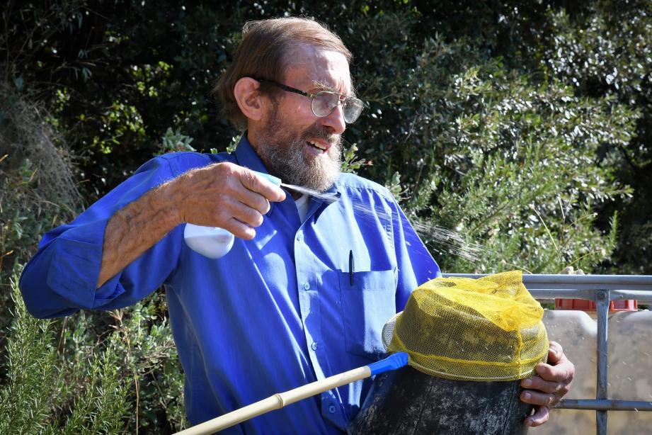 Avant de parvenir à concocter son produit, l'apiculteur a dû se débarrasser de dizaines de frelons asiatiques.