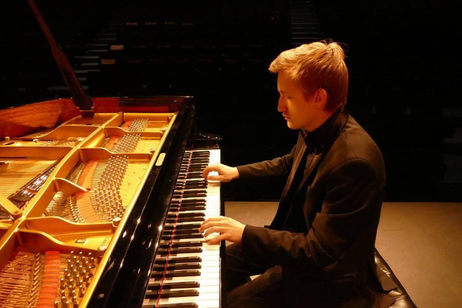 Le jeune pianiste russe a conquis son auditoire. (DR)