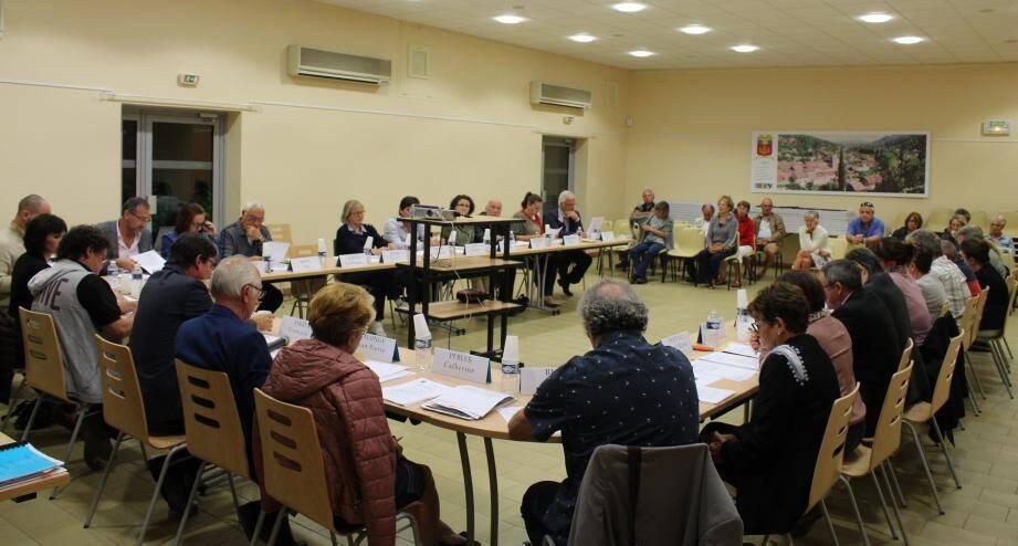 La séance du conseil municipal a été particulièrement animée.