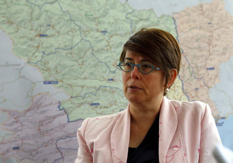 La sous-préfète Nice-Montagne, Gwenaëlle Chapuis, reproche aux maires signataires de l'arrêté anti-poids lourds d'avoir mené des contrôles de police en dehors de leurs agglomérations respectives.