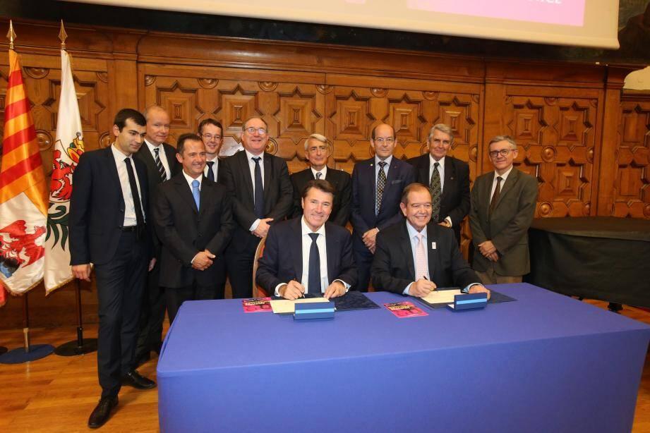 Christian Estrosi a signé, hier après-midi au CUM, l'adhésion de Nice au réseau des villes impériales en compagnie du président du label et maire de Rueil-Malmaison, Patrick Ollier.