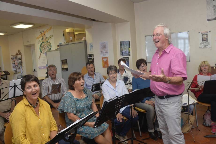Répétition, au conservatoire de Grasse avec les chanteurs de Vocalita qui proposent deux concerts les 4 et 5 novembre, à Valbonne d'abord, puis à Cagnes-sur-Mer.