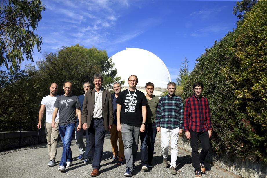 Les chercheurs du laboratoire Artémis de l'Observatoire Côte Azur ont mis au point un laser qui a permis de détecter les oscillations de l'espace-temps.