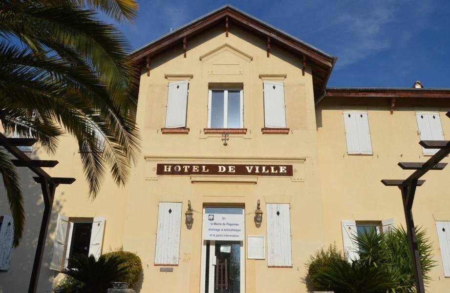 L'ancienne mairie a été aménagée en médiathèque et accueillera le point info tourisme dès le 31octobre avant son ouverture officielle le 7novembre à partir de 10h.