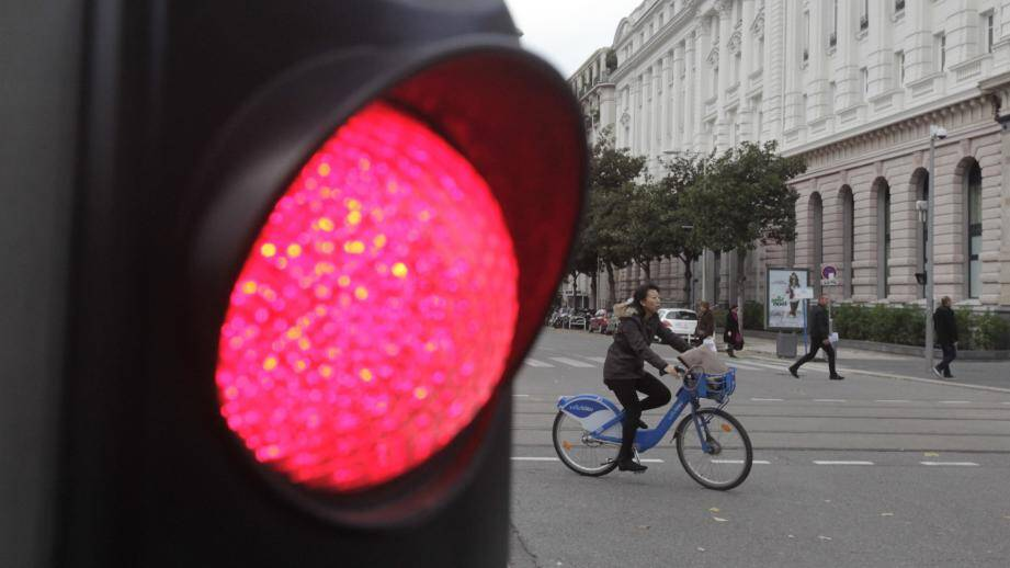 Le prévenu ne savait pas que les feux rouges s'appliquaient aussi aux vélos...