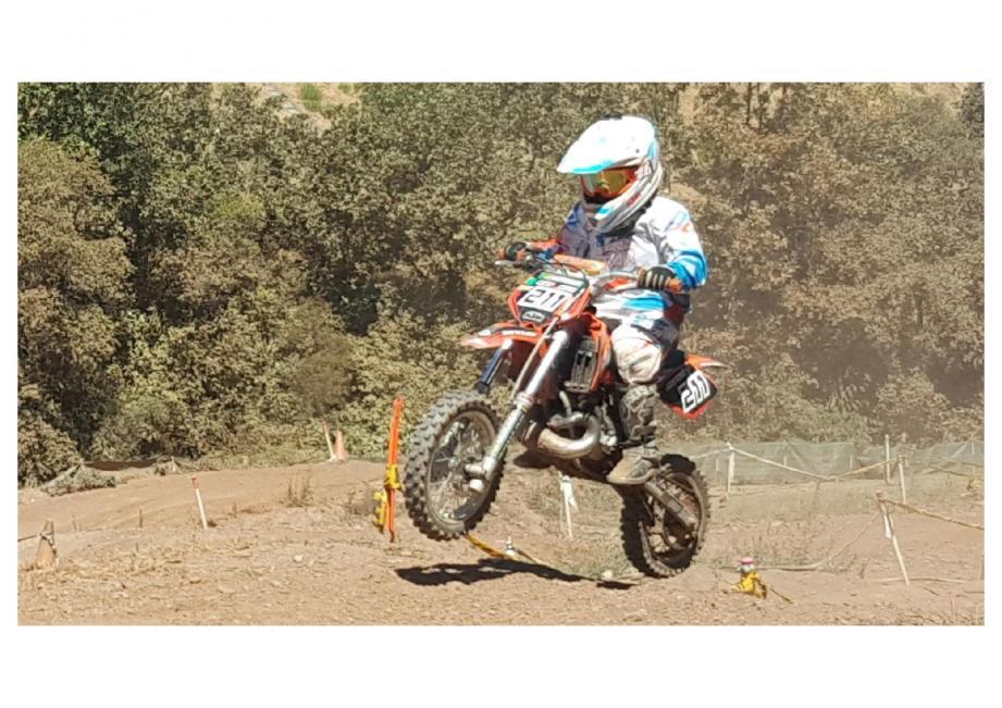 Le jeune Arthur a vite trouvé ses repères sur sa KTM.