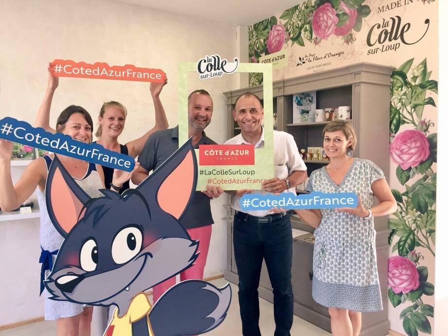 Dynamisme et bonne humeur dans les locaux de l'office de tourisme pilote à l'échelle du département en matière de déploiement de la marque Côte-d'Azur France.