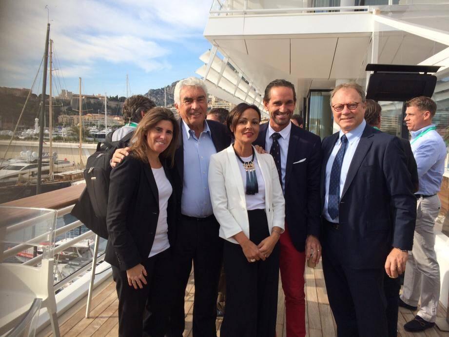 Bernard d'Alessandri (deuxième en partant de la gauche), secrétaire général du Yacht-club, fédère les représentants du secteur du yachting.