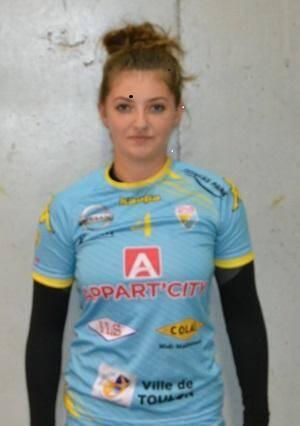 Julia Peronnet, une cadre du groupe autant en attaque qu'en défense.