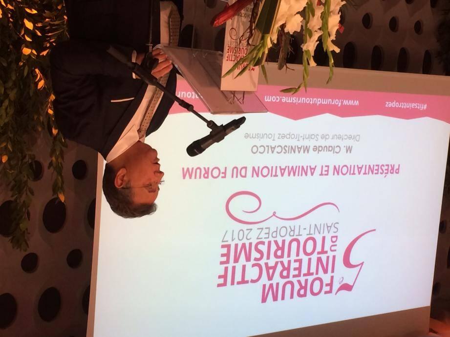 Le directeur de l'office de tourisme de Saint-Tropez, Claude Maniscalco, a animé les deux tables rondes hier.