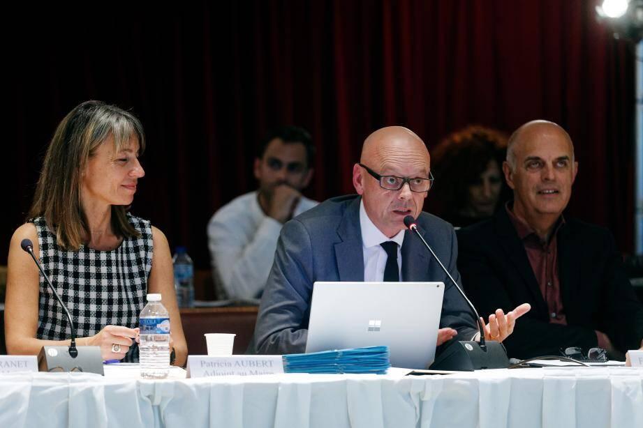 Le président de Vikings Casinos Luc Le Borgne a présenté le projet complet du futur établissement et en a profité pour rassurer sur la présence de gravats en lisière de la pinède du Colombet, « réutilisés sur le chantier ».